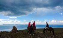 Horseback riding in Son-Kul lake