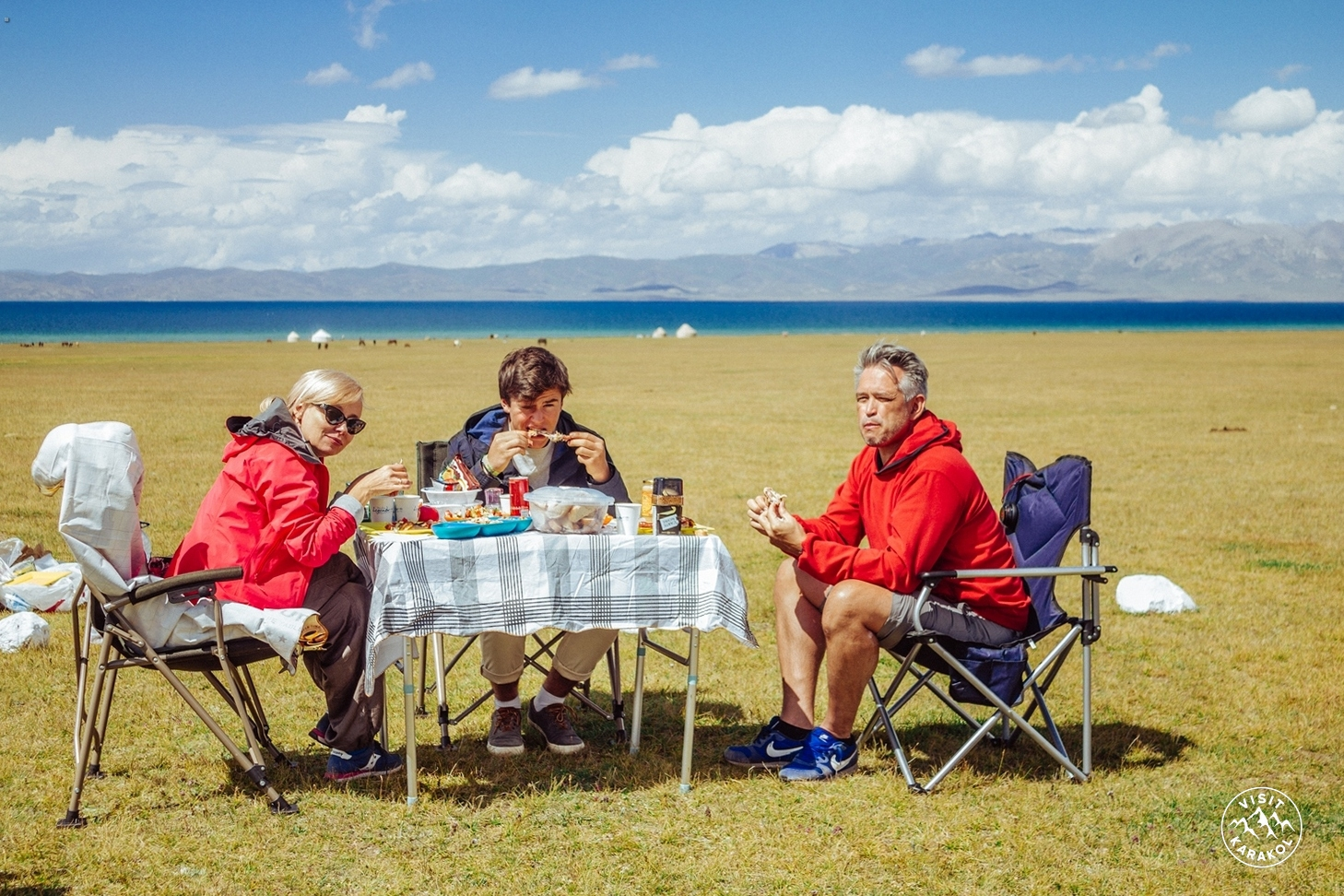 Lunch on Son-Kul lake