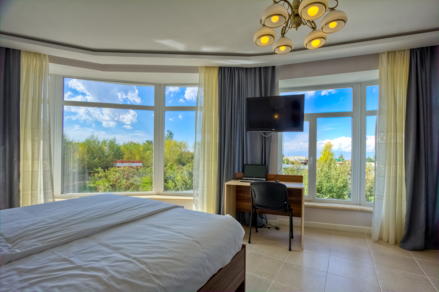 Luxe room with Garden view